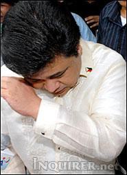Senator Jinggoy Estrada shed tears